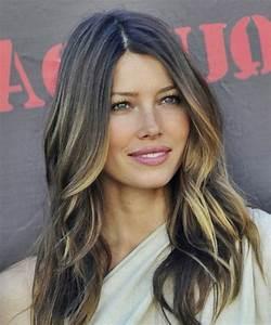 Coupe Cheveux Visage Ovale : coiffure visage long femme ~ Melissatoandfro.com Idées de Décoration