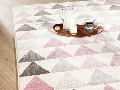 tapis rond chambre bébé soldes tapis enfant toutes les formes et couleurs sont