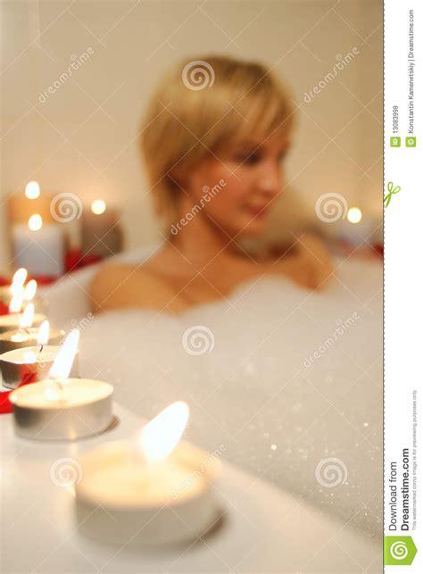 Donna Nuda Doccia by Donna Nuda Nel Bagno Spumoso Fotografia Stock Immagine