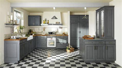cuisine rustique grise une déco de style maison de famille dans la cuisine