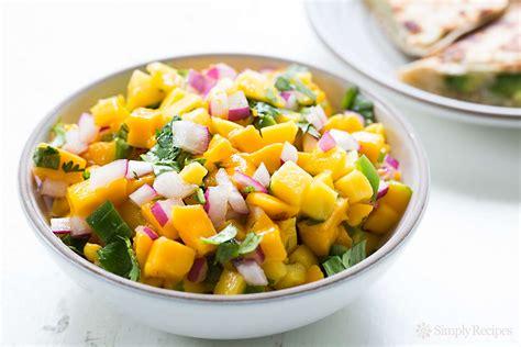 cuisine salsa mango salsa recipe simplyrecipes com