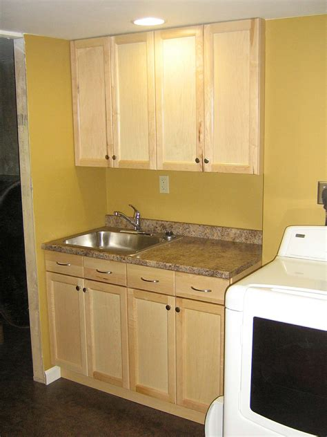 Simple And Easy Guides For Choosing Laundry Room Sinks