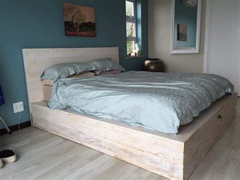 brilliant easy  build diy platform bed   cozy bedroom