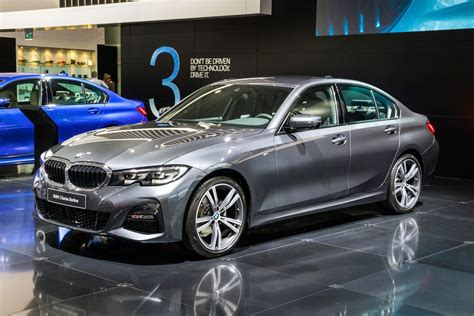It may be a good choice for you if your next ride needs to be responsive, peppy and agile on the road, whether you're meeting clients across town or taking your small family across the country. Inside Look at the 2019 BMW 3 Series - Autoversed