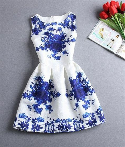 robe pour mariage bleu marine et blanc la robe bleue marine et ses nuances en 43 photos