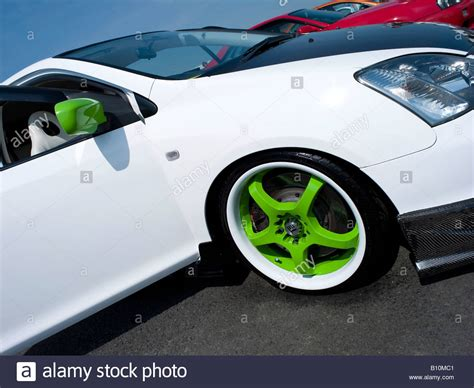 White Honda Civic Type R Green Wheel Rims Slammed Wheel