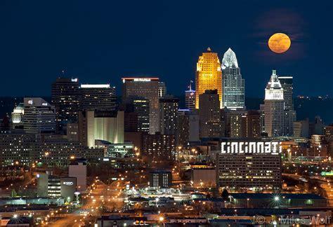 Cincinnati-Skyline-Super-Moonrise-4.jpg | J. Miles Wolf