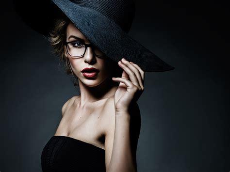 women model face portrait glasses juicy lip wallpaper