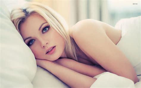 Blue Eyed Blonde In Bed Walldevil