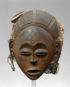 Mask  Female  Pwo   Metropolitan Museum Info On Their Female  Pwo  Mask  Chokwe Peoples