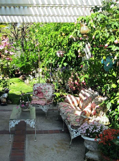 not shabby vintage home and garden top 28 not shabby vintage home and garden 17 shabby chic garden for romantic feel house