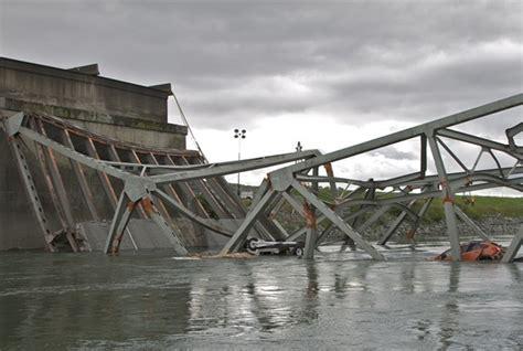 truck driver accepts fault  skagit bridge collapse