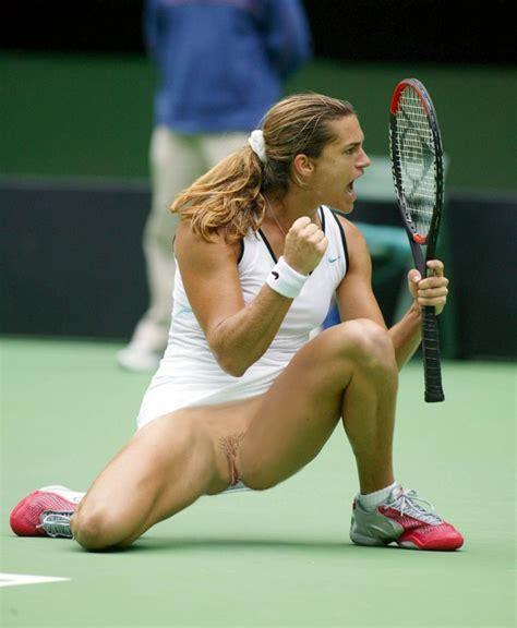 Female Tennis Player Nude Huge Busty Moms