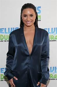 Sorry Not Sorry: Demi Lovato flashes cleavage in braless ...