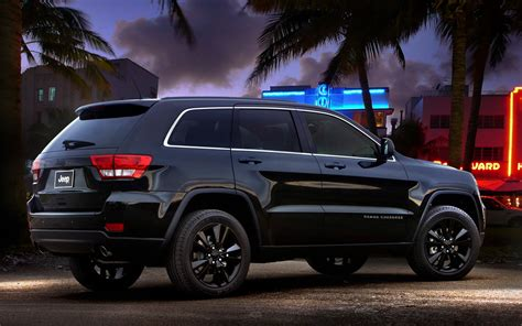 jeep grand cherokee blackout 2012 jeep grand cherokee reviews and rating motor trend