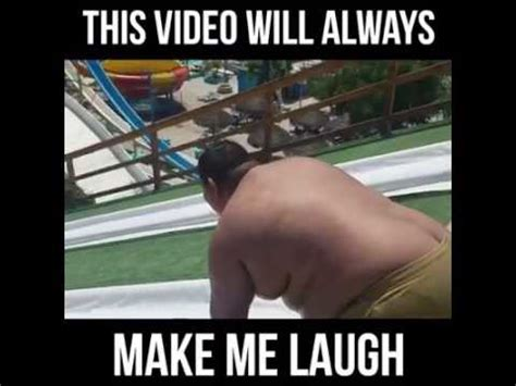 foto de fat guy going down a big slide and into a pool epic