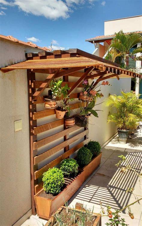 Unique Vertical Gardens to Design This Spring