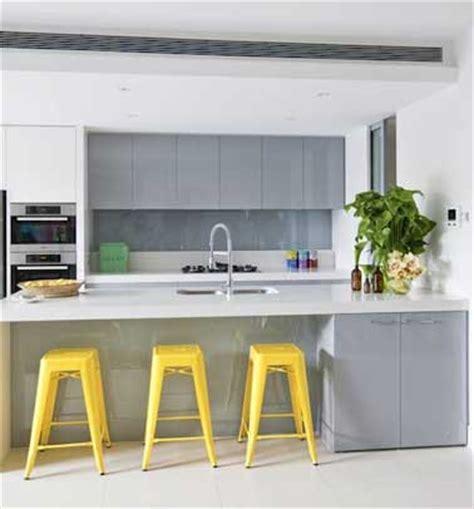 peinture sur faience cuisine quelle couleur mettre avec une cuisine grise