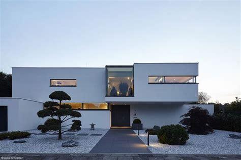 Moderne Häuser Köln by Konsequent Modern K 246 Ln Bonn Cube Magazin Haus
