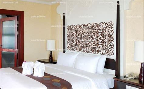 taille minimum chambre stickers tête de lit orient