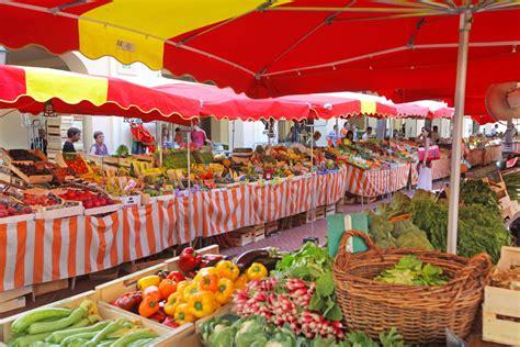 marché de la cuisine monaco la condamine le port et ses nombreuses boutiques