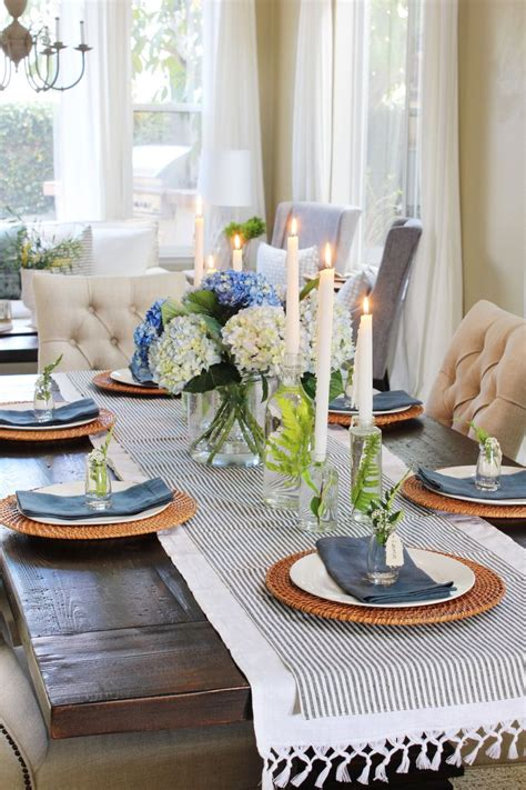 Dining candles offer efficiency and quality features with improved standards in their manufacture. Dining Table Centerpiece Ideas (Formal and Unique Table ...