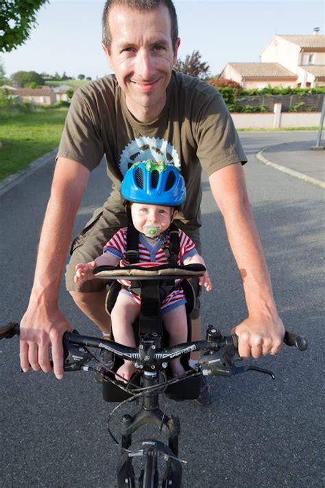 velo femme avec siege bebe concilier bébé et vélo c 39 est possible vélo route