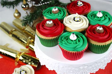 easy christmas cupcake decorating party delights blog