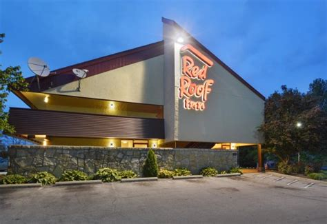 Updated 2017 Hotel Reviews & Price Comparison (ky) How To Fix A Leaky Flat Garage Roof Removing Rust From Shingles Sunroof That Won T Open Sealant For Metal Over Existing Asphalt Red Inn Cincinnati Airport Erlanger Ky Truss Installation Method Statement Roofing Panels Lancaster Pa