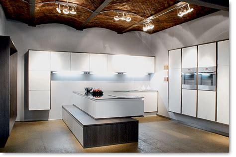 showroom cuisine cuisine ilot table de cuisson cuisines îlot design