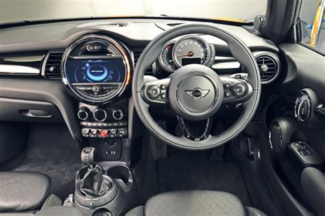 interieur mini 2015 mini cooper gets revealed plug in hybrid version in