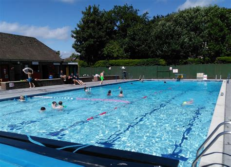 Petersfield Heated Open Air Swimming Pool