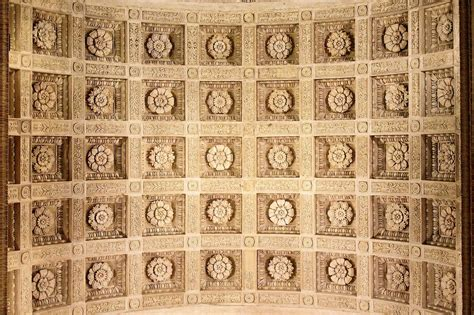 Ingresso S - mantova soffitto ingresso basilica s andrea juzaphoto