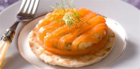 comment cuisiner le saumon frais 120 recettes de noël au saumon femme actuelle