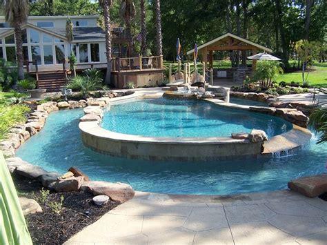 Backyard Pool With Lazy River by 25 Best Ideas About Backyard Lazy River On
