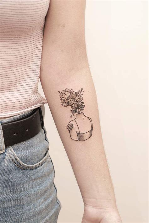 laurchampagne tattoos tattoo ideen taetowierungen
