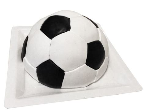 ballon de foot en pate d amande 1000 ideas about pate sucre on p 226 te pate 192 tarte and gla 231 age miroir