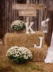 country wedding 10 rustic wedding details we