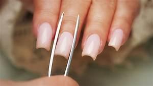 Pinching Acryli... Fake Nails