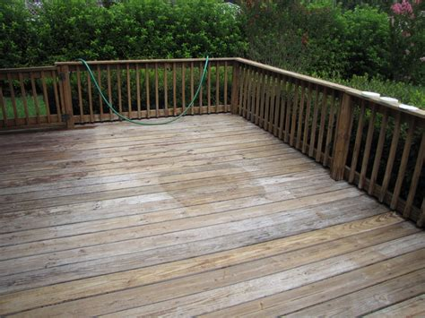 thompson wood cleaner  stain deck makeover review