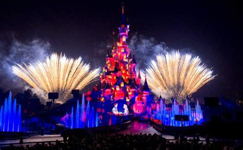 small world disney kast nieuwe spektakelshow disneyland paris in premi 232 re looopings