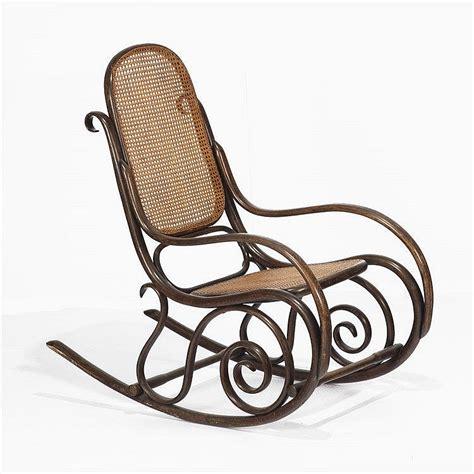 fauteuil 224 bascule dans le go 251 t de thonet bois thermoform 233 e