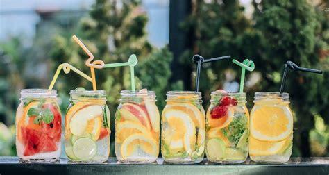 Gesund & erfrischend: Sommer-Getränke für Kinder - Lunamag.de