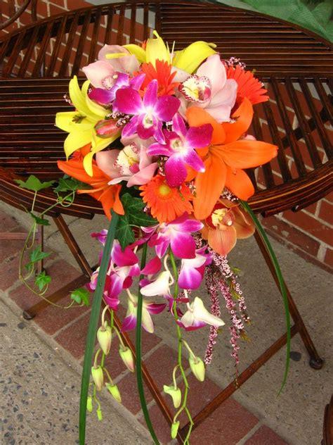 pick tropical flowers  wedding decoration wedding