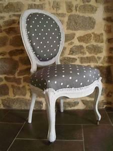 Tapisser Une Chaise : chaise ancienne renov gris pois blanc tapisser peinture caill e fauteuils pinterest ~ Melissatoandfro.com Idées de Décoration
