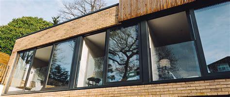 hochwertiger franzoesischer balkon aus glas  railing