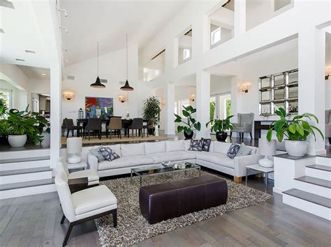 Step Down Living Room : Enter Into The Expansive Step-down Living Room That
