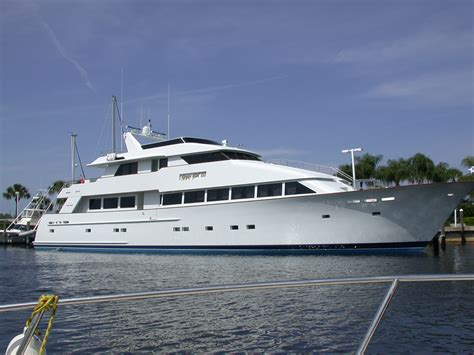 Yacht In Tagalog by Yacht