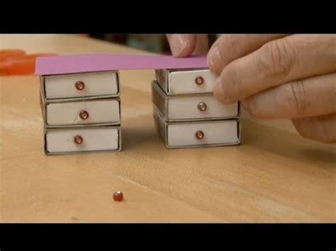 comment faire un bureau pour vos poupées