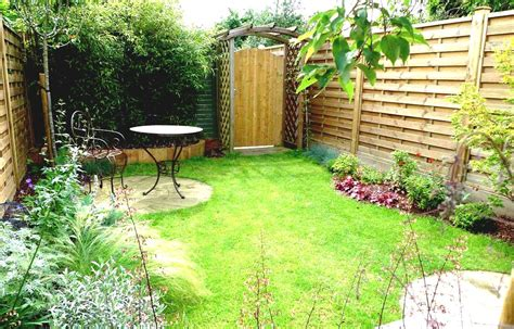 simple garden ideas for backyards with colourful flower